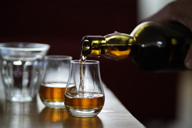 調酒師與人工智慧完美合作,首支AI威士忌勇奪金牌!(上)